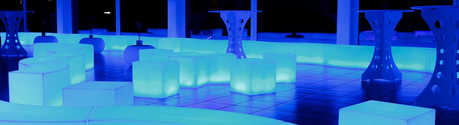 mobile cocktailbar. Black Bedroom Furniture Sets. Home Design Ideas
